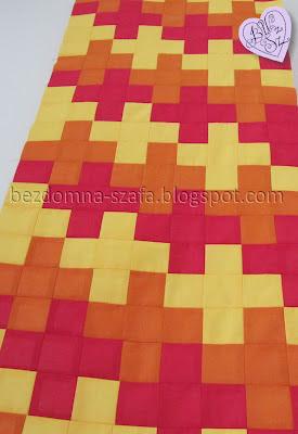 bieżnik patchwork puzzle kwadraty