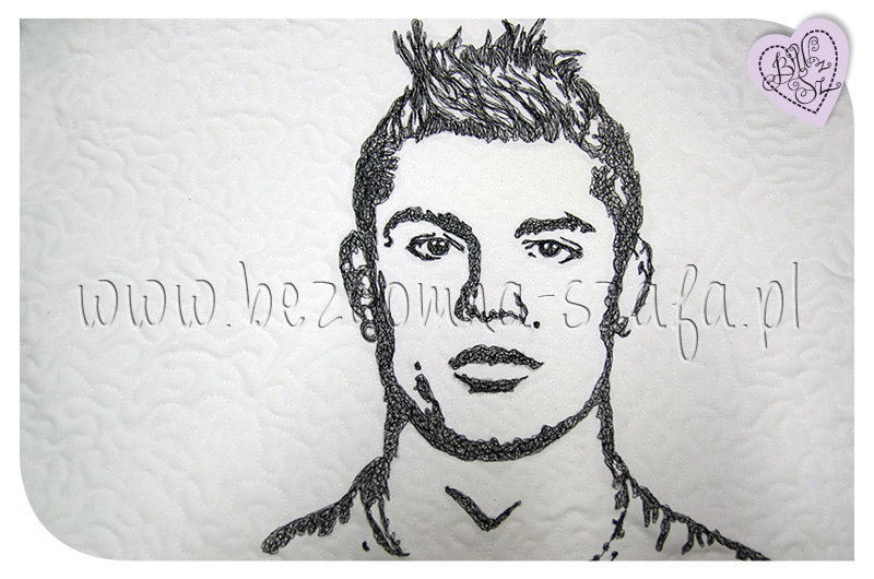 Cristiano Ronaldo, CR7, pillow, sew, needle paint, poduszka, malowane igłą