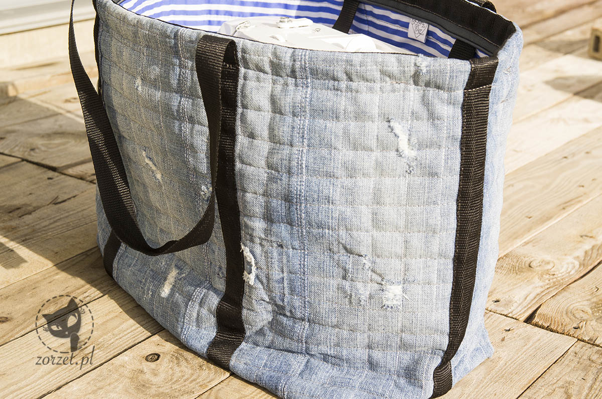 nogawki, torba dżins recykling, jeans bag recycling, rzut ogólny